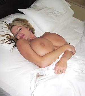 Big Boobs Bedroom Porn Pictures