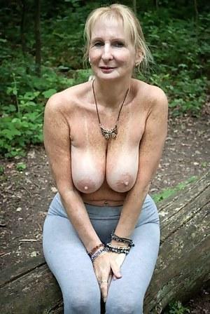 Big Boobs Yoga Pants Porn Pictures