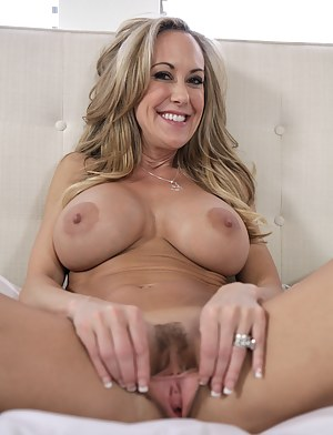 Big Boobs Spread Pussy Porn Pictures