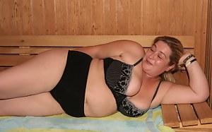 Big Boobs Sauna Porn Pictures